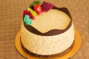 Bolo Chocolate Branco Crocante